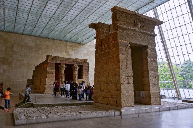 NYC_-_Metropolitan_-_Temple_of_Dendur